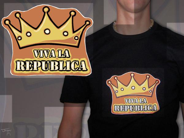 Viva la republica // ca. 20 x 20 cm // anti-monarchistic shirt with print // 2007 // 5547 views